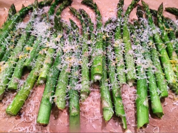 February in the Kitchen – RoastAsparagus